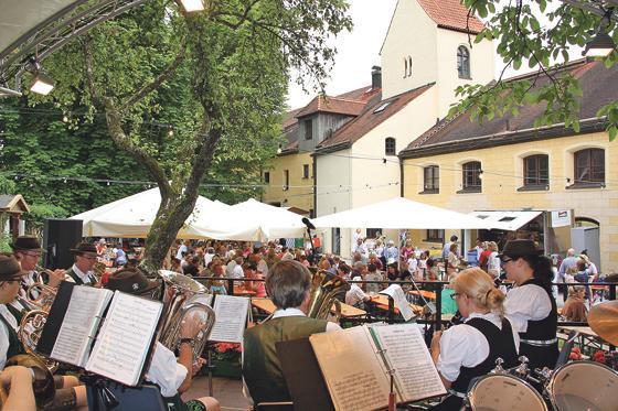 Burgfest 2018 – auch bei Regen fröhlich feiern