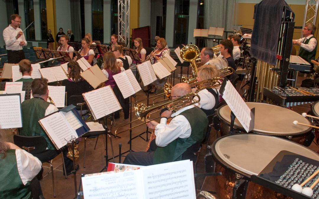 Premiere: Herbstkonzert der Blasorchester der Freunde Grünwalds mit Beiträgen der Junior Band GreenSTArs von der Musikschule Grünwald